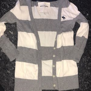 Abercrombie and Fitch XL cardigan (short)